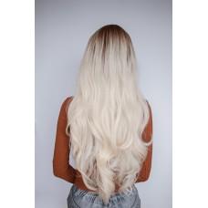 Длинный парик блондинка затемненные корни ( 2731 )