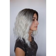 Парик серебристый блонд с затемненными корнями ( 5198 )