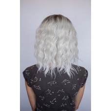 Перука сріблястий блонд з затемненими коренями ( 5198 )