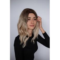 Русый волнистый парик средней длины ( 2911 )